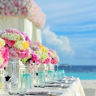 beach-wedding-decorations Beach Decor and Coastal Decor