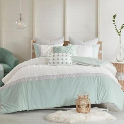 beach-style-bedroom-3 Beach Bedroom Decor & Coastal Bedroom Decor